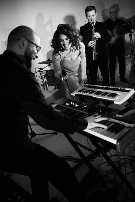 Концерт Квартирник Анны Шалютиной & YougurtBand в Минске 27 сентября – анонс и билеты на концерт